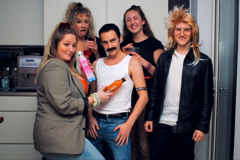80-talsfest i Uppsala med karaktärer från 80-talet